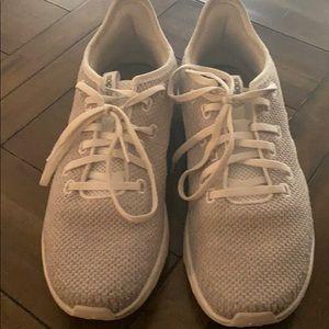 Adidas cloudform women's shoes. Size 9